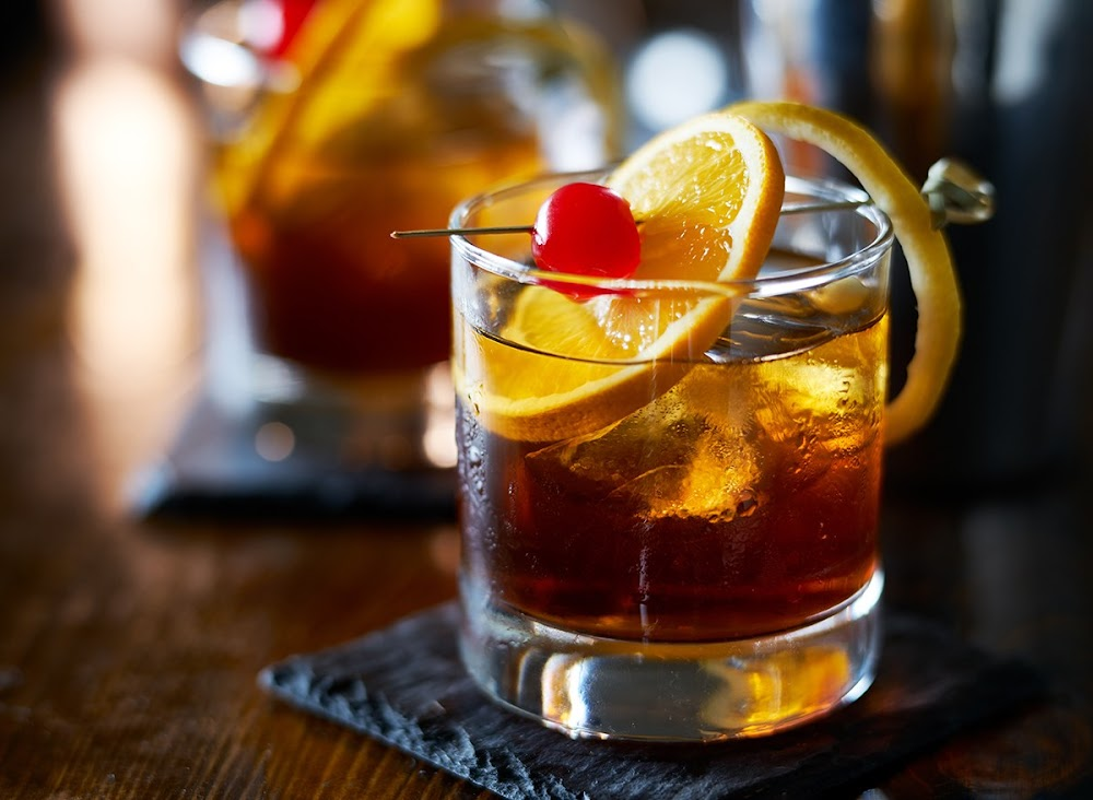 offbeat-whiskey-cocktails-delhi-ncr_basil_and_blueberry_old_fashioned