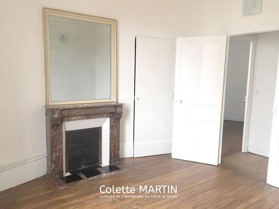 Location appartement 4 pièces 92,84 m2