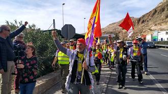 Momento de la llegada de la Desbandá, este sábado, a Almería.