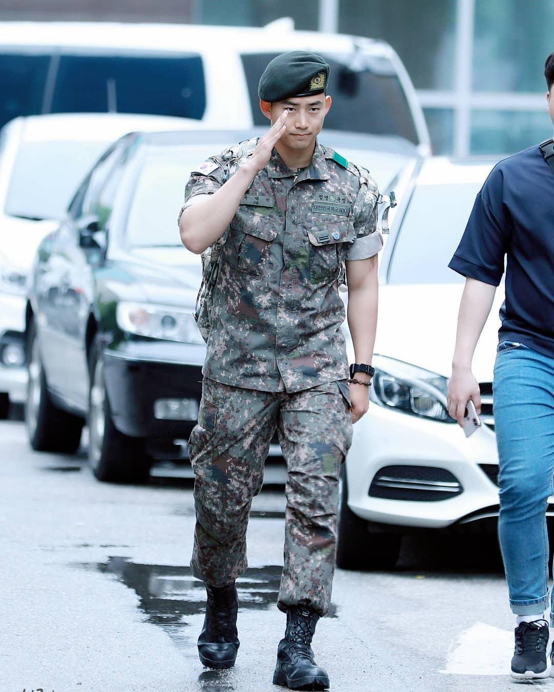 2pm taecyeon army 0