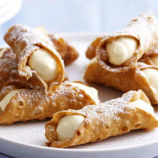 Lemon Cheesecake Cannoli