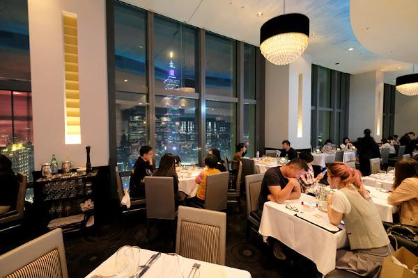 【台北】莫爾頓牛排館:101大樓近距離對望,極致浪漫夜景餐廳300元有找!