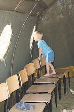 Photo: 11 VI 2011 roku - ciekawość świata przez okienko
