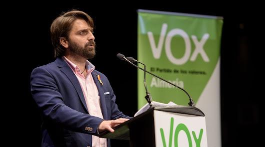 """Presidente de Vox a los críticos: """"No toleraré que haya indisciplina"""""""