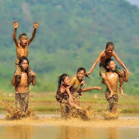 Happiness by Tamlikho Tam - Babies & Children Children Candids (  )