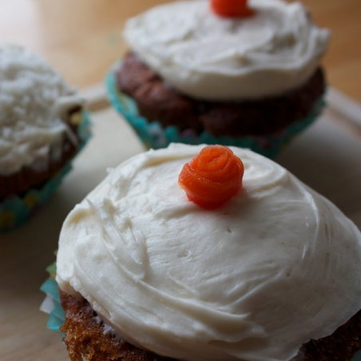 Carrot Cupcakes with Cream Cheese Frosting Recipe | Yummly
