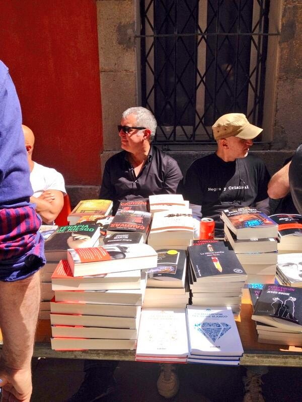 Photo: En la librería Negra y Criminal