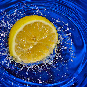 lemon drops by Angelo Jadulco - Food & Drink Fruits & Vegetables ( water, lemon )