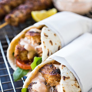 Grilled Lemon Chicken Flatbread Wraps with Spicy Garlic Sauce #Recipe