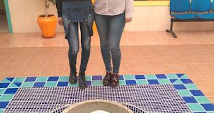 Las alumnas Fadoua Lachab y Ana Belén Guillén, autoras del artículo  en el IES Abdera.