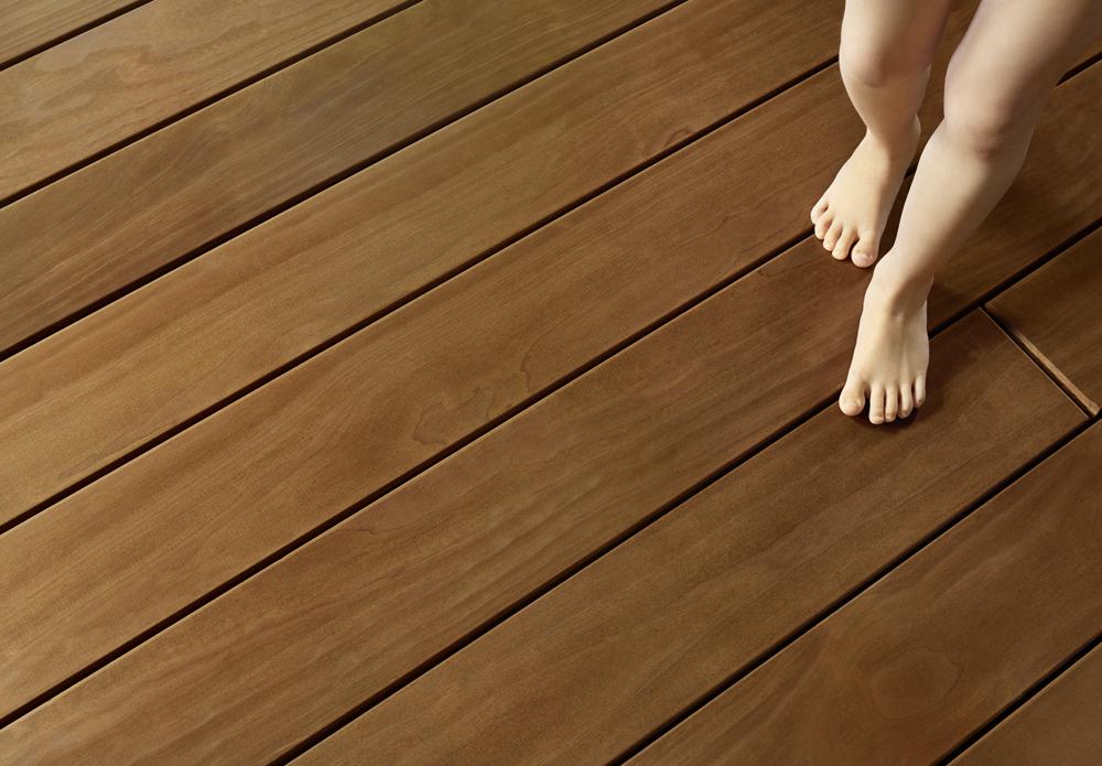 Holzterrasse von hoher Qualität