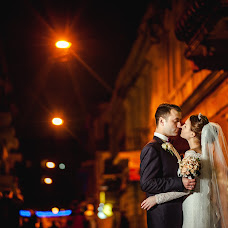 Wedding photographer Vitaliy Nalizhitiy (Rococo). Photo of 31.08.2017