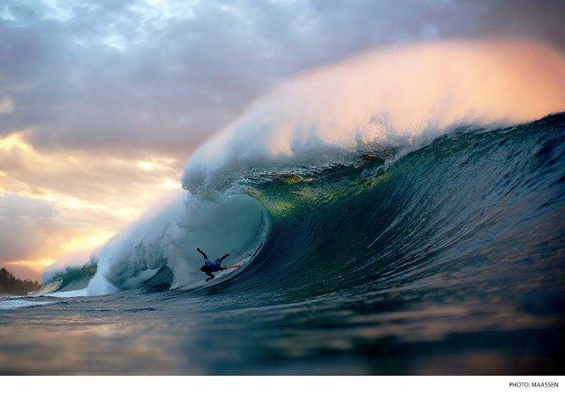 Photo: Taj Burrow, Pipeline. Photo: Maassen #surferphotos
