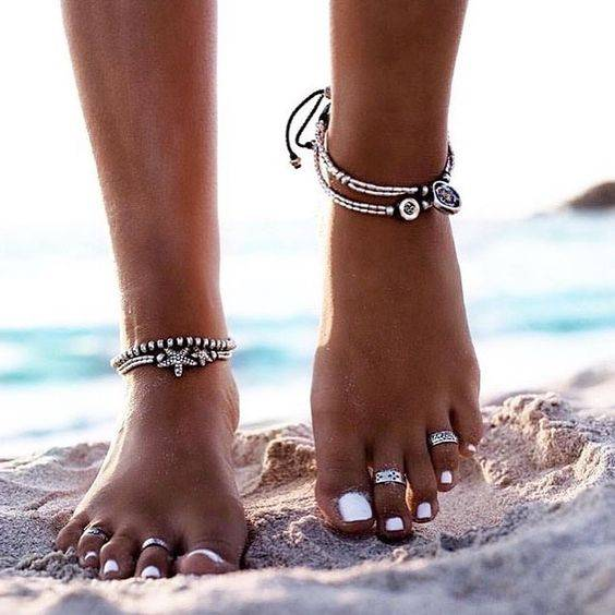 what-not-to-wear-in-goa-accessories-what-to-wear-in-goa_image