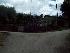 Photo: pierwszy rozjazd na drodze prowadzącej z Caira, w lewo do Domu Sanitarnego i dawnych koszar w Villa, w prawo ku Drodze Polskich Saperów (patrz wycinek #1)