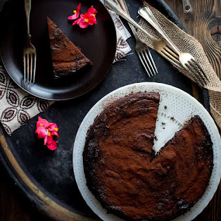 Skinny Flourless Dark Chocolate Cake Recipe