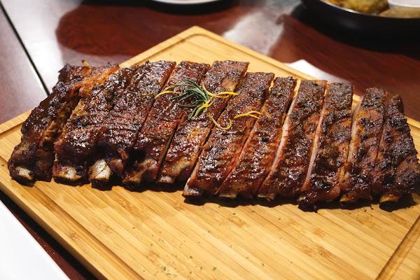 好吃又厚實的豬肋排 肉食者不可錯過的地方-Ed's Diner@捷運劍南路站@美麗華