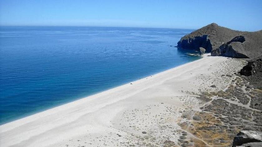 Playa de Los Muertos, en Carboneras.