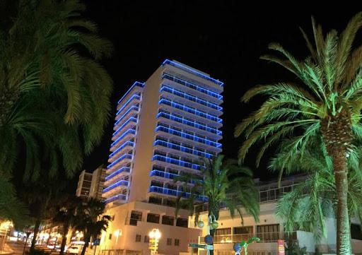 Fachada noche Hotel Ibersol Alay