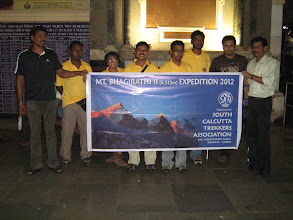 Photo: with the expedition banner at howrah station
