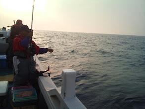 Photo: 久しぶりの五島の夜釣りです。 夕マズメにバタバタ食いだしました!