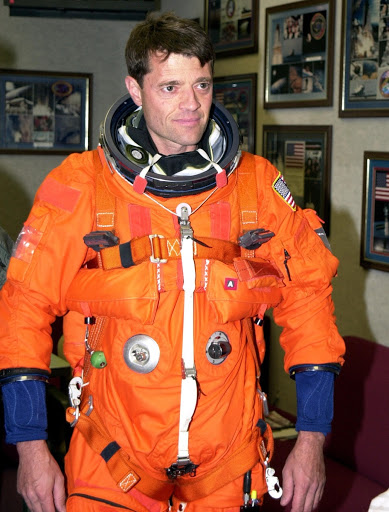 Jeffrey Ashby is suited up and ready to participate in landing exercises in the Shuttle Training Aircraft at the Shuttle Landing Facility.
