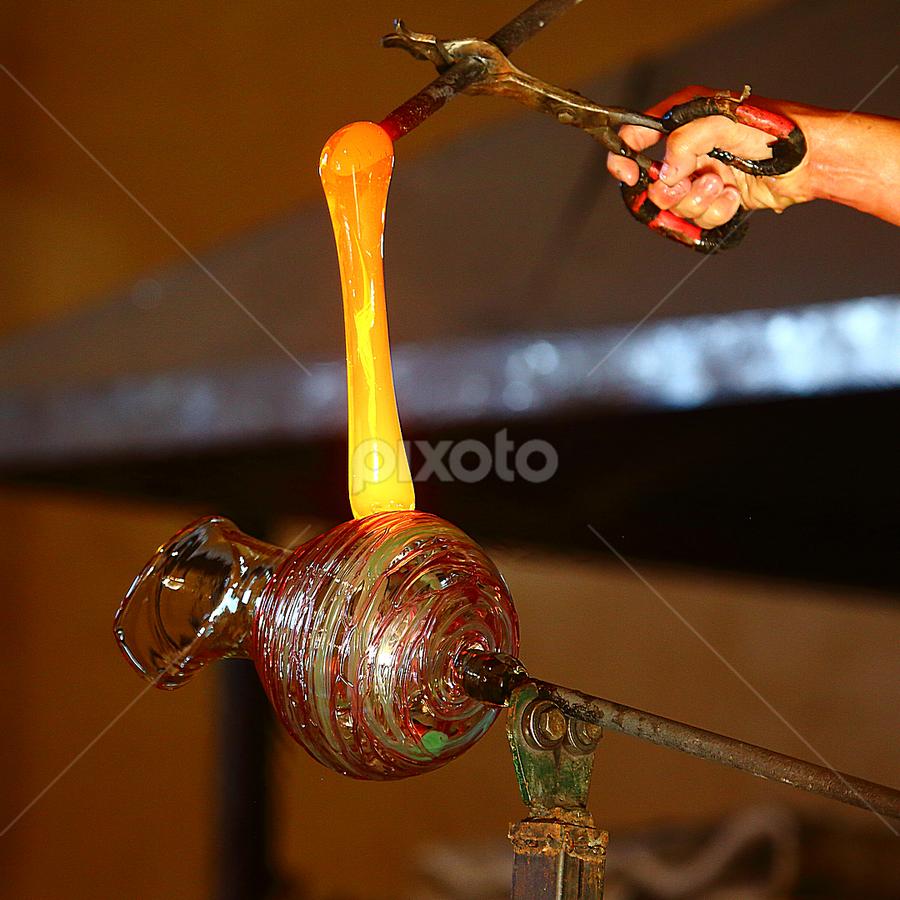 Dépose d'une anse by Gérard CHATENET - Artistic Objects Glass