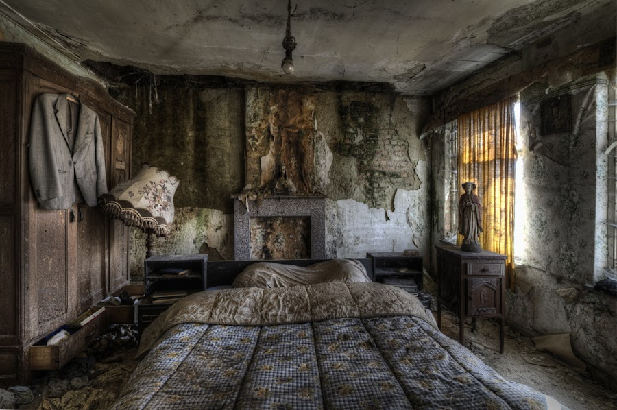 Sweet Dreams by Niki Feijen - Buildings & Architecture Homes ( urbex, hdr, maison, house, decayed, bedroom, abandoned, decay )