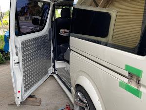 ハイエースバン TRH200V のカスタム事例画像 海★涼さんの2020年10月25日18:32の投稿