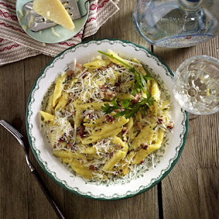 Pasta Carbonara in the style of Sophia Loren