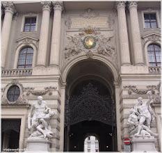Photo: Hofburg Palacio Imperial .Viena .http://www.viajesenfamilia.it/