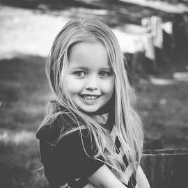 B&W by Jenny Hammer - Babies & Children Child Portraits ( outside, black and white, girl, cute, child )