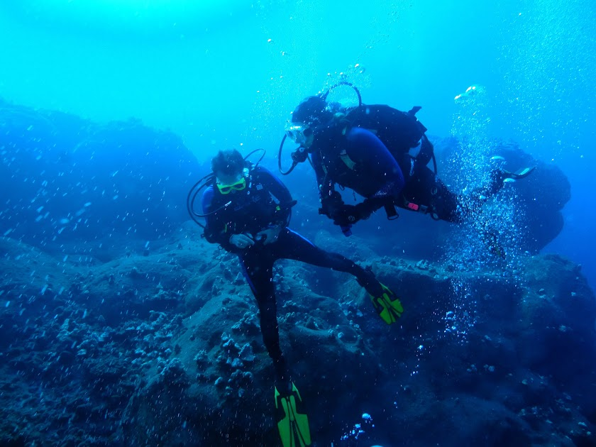 Diving from The Kona Aggressor II
