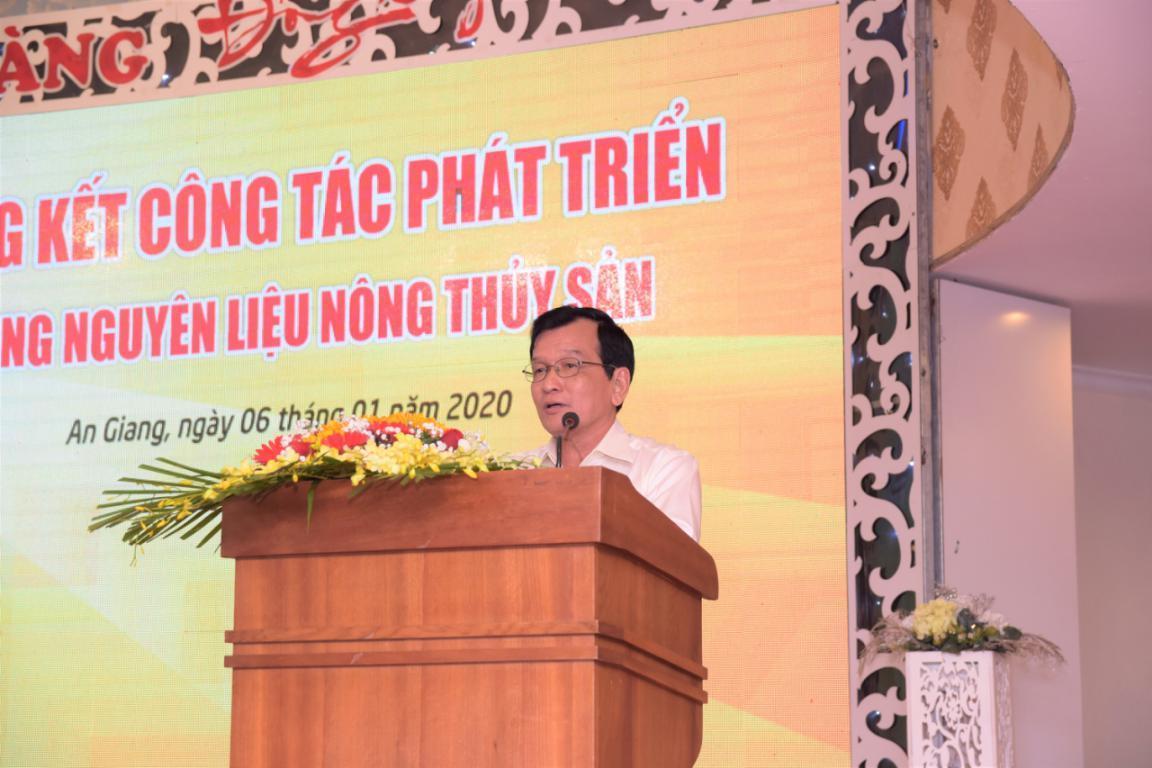 3. Ông Dương Nghĩa Quốc - Chủ tịch Hiệp hội cá tra Việt Nam đánh giá cao mô hình hộ nuôi liên kết của Tập đoàn Sao Mai