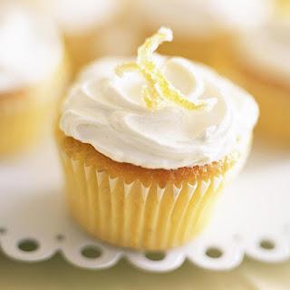 Storing Vegan Lemon Cupcakes.