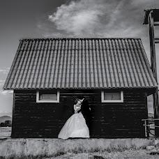 Wedding photographer Mario Iazzolino (marioiazzolino). Photo of 03.11.2017