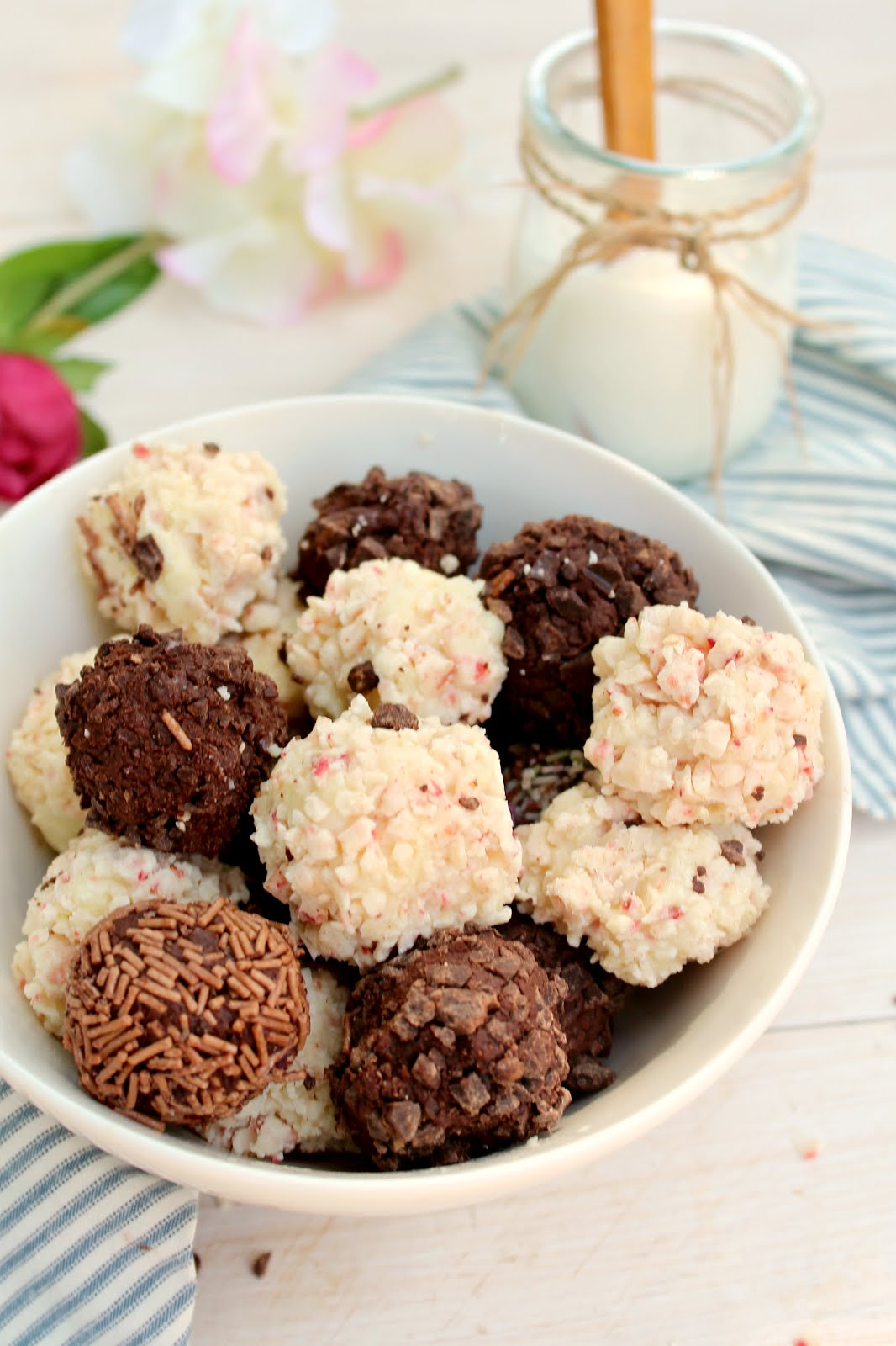 3 Ingredient Greek Yogurt Truffles: much healthier than most versions, and still creamy and fudgy!