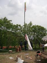 Photo: そしてゴールの旗を張る。