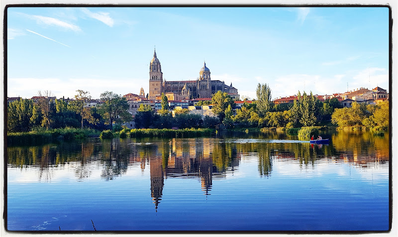 Salamanca: riflessi sul fiume Tormes di robypsycho