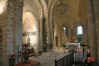 Photo: interieur kerk beauzac