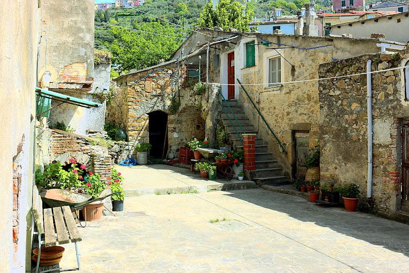 Un borgo antico di Paolo the Sailor