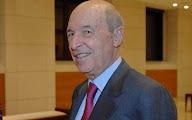 Photo: Κωνσταντίνος Σημίτης (Ερπετάνθρωπος Έλληνας Εβραίος, Κρόνιος-Nephilim, καθηγητής πανεπιστημίου και πολιτικός, πολλές φορές υπουργός και πρωθυπουργός της Ελλάδας από το 1996 ως το 2004 με το ΠΑΣΟΚ). Δείτε επίσης: http://www.dionisos12.com/mysteria/kronia-gene/erpetanthropoi