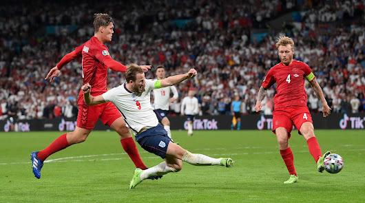 Inglaterra llega a la final con un polémico penalti