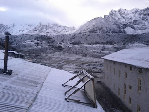 Photo: Early morning snow in Lobuche