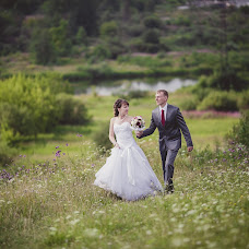 Wedding photographer Mikhail Ageev (EmotionStudio). Photo of 21.09.2013