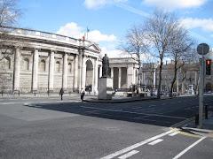 Visiter Banque d'Irlande : centre des Arts