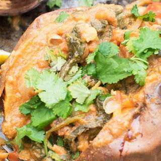 Baked Sweet Potato With Spinach Chana Masala [Vegan, Gluten-free].