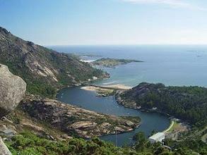 Photo: Vista de una ría gallega (valle fluvial inundado en su tramo bajo)