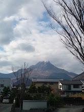 """Photo: 右手に普賢岳を見ながら、次の目的地の""""口之津""""へレッツゴー!"""
