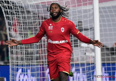 Penaltyheld Mbokani schiet Antwerp voorbij Genk naar de kwartfinale van de Croky Cup